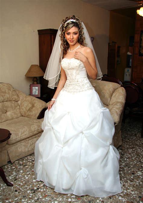 fotos vestidos de novia elegantes im 225 genes de vestidos de novia