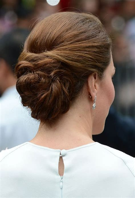 casual hairstyles with accessories kate s tour drobe diary the duchess of cambridge s