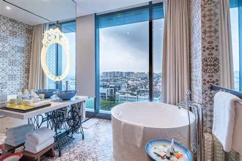 singapore hotel with bathtub hotel review hotel indigo singapore katong premier view room with bathtub the