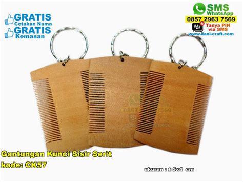 Souvenir Pernikahan Gantungan Kunci Sandal Batok Plus Kut gantungan kunci sisir serit souvenir pernikahan