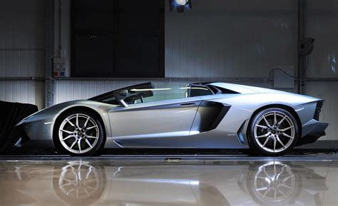 Lamborghini Top Speed Mph 2013 Lamborghini Aventador Lp 700 4 Roadster Photos