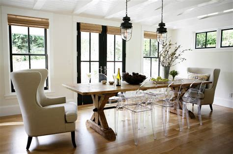 modern farmhouse dining room crisp white farmhouse surrounded by green shrubs digsdigs