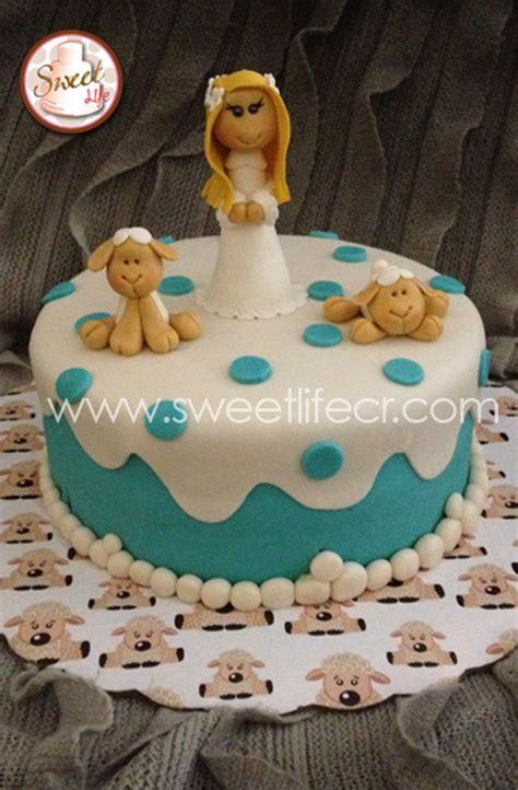cupcakes de bautismo en pinterets decoraci 243 n de cupcakes para bautizo queque para comunion queques religiosos costa rica sweet cakes