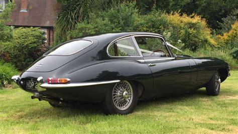 wedding car jaguar e type classic 1968 e type jaguar in racing green wedding
