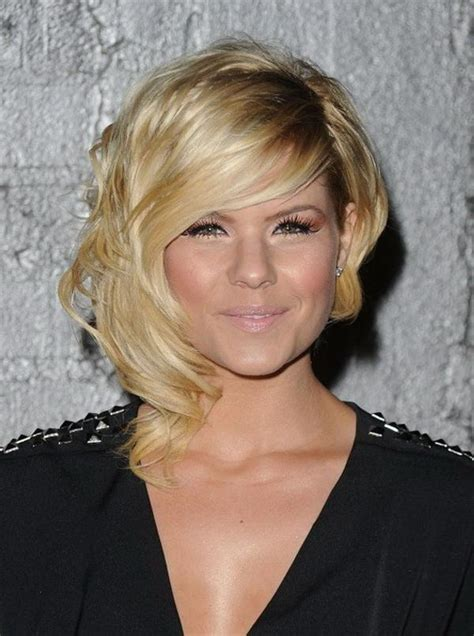 chin length asymmetrical hairstyles different chin length bob haircuts women hairstyles