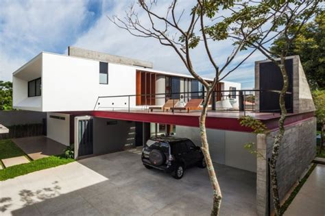 House On Top Of Garage by Modern Planalto House Architecture Design Architecture