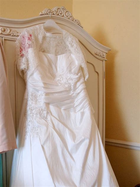 powder room birstall regally ivory purple suzanne damian s real wedding in confetti co uk