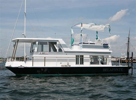 living on a houseboat in australia 1000 ideas about pontoon houseboat on pinterest