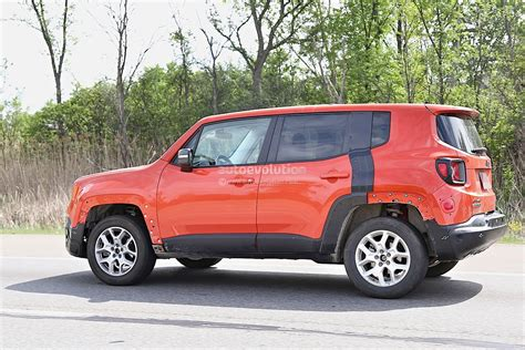 Jeep C 2017 Jeep C Suv Prototype Spied Wearing Renegade