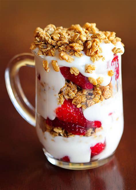 fruit yogurt granola parfait food funda fruit n yogurt parafait w o granola