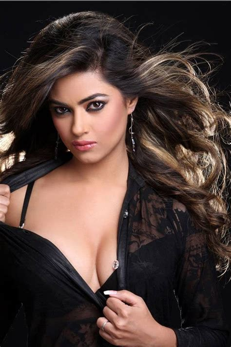 bollywood heroine height weight 17 best images about bollywood actress on pinterest love
