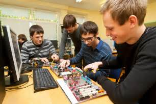 Computer Hardware Engineer Education top 10 highest paying tech