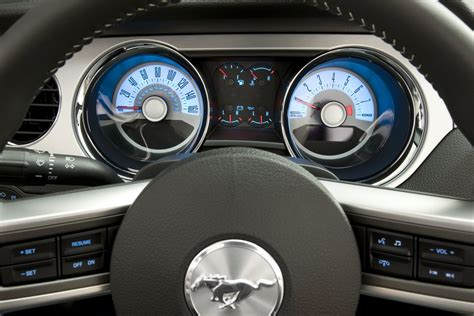 2011 ford mustang gets new 305hp v6 and optional