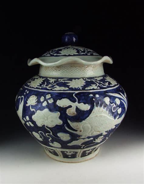 jar jar rule pattern chinese antique blue and white porcelain lidded jar fish