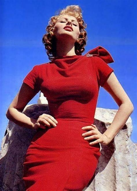 sophia loren hourglass the fitting room chronicles feeling red hot and blue