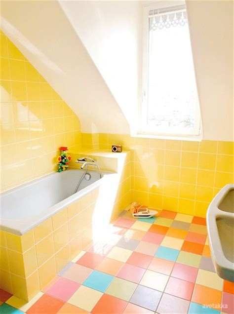 bathrooms with yellow walls 43 bright and colorful bathroom design ideas digsdigs