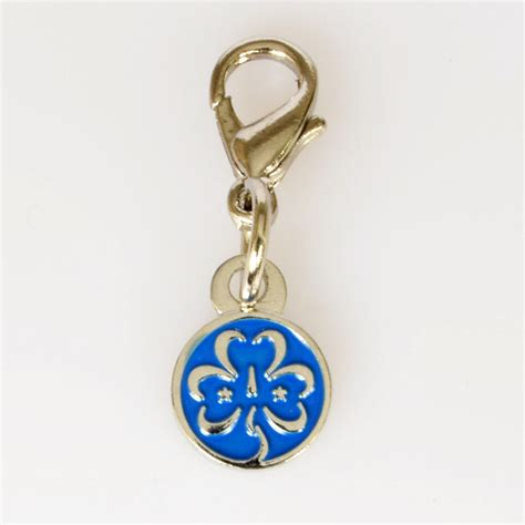 wagggs accessories trefoil charm