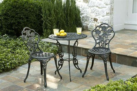 Outdoor Wrought Iron Patio Furniture Wrought Iron Outdoor Furniture For That Exquisite Look Carehomedecor