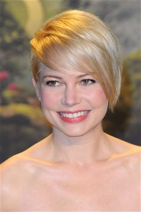 pixie haircut with side swept bangs 360 degrees pixie cuts on pinterest michelle williams pixie cuts