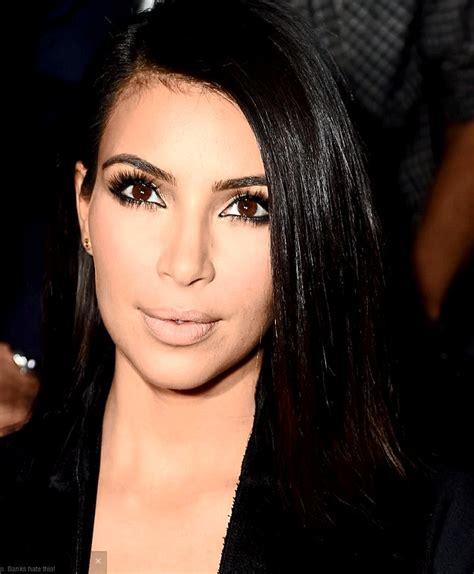 kris jenner eye color make up artist transforms into kim and khloe kardashian