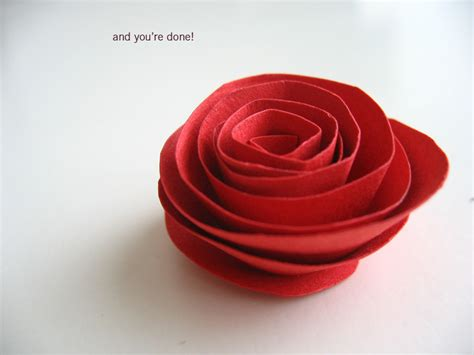 How To Make Paper Roses With Construction Paper - paper flowers simple paper flower tutorial