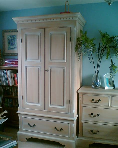 white washed pine bedroom furniture how to whitewash pine furniture k k club 2017