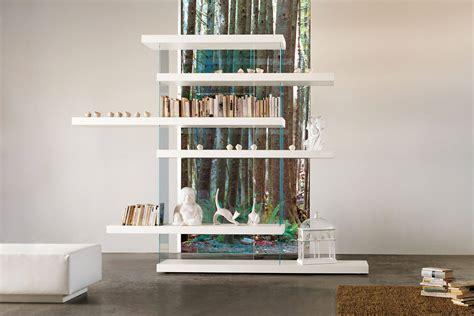 lago libreria libreria air una libreria in legno sfida la gravit 224