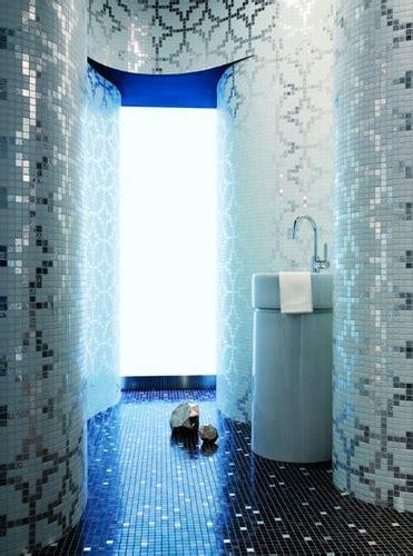 bathroom magician via flickr