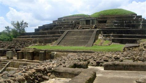 imagenes de vestigios mayas ruinas de tazumal los vestigios de los antiguos mayas fotos