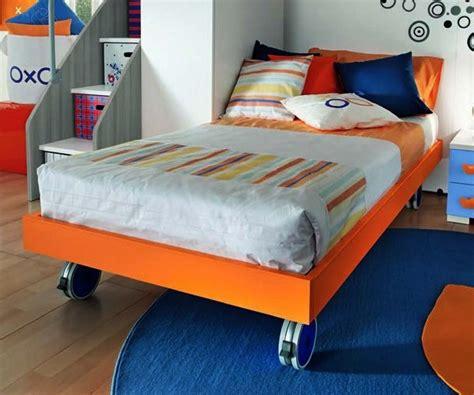 letto singolo con ruote letto singolo sommier colorato con ruote per cameretta