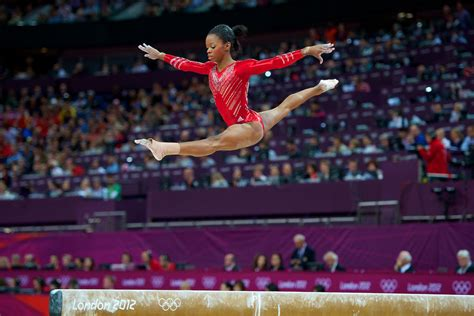 the olimpyc gymnastic shark in 2013 photos vb s gabby douglas named ap female athlete of the year
