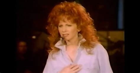 watch reba s empowering new going out like that video quot walk on quot reba mcentire s 10 sassiest girl power anthems