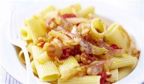 cuisiner les rougets recette rigatoni du golfe de naples au pistou de rougets