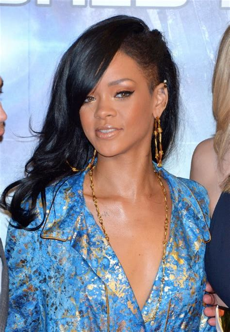 side swept hairstyles for black rihanna long hairstyles layered black wavy hair style