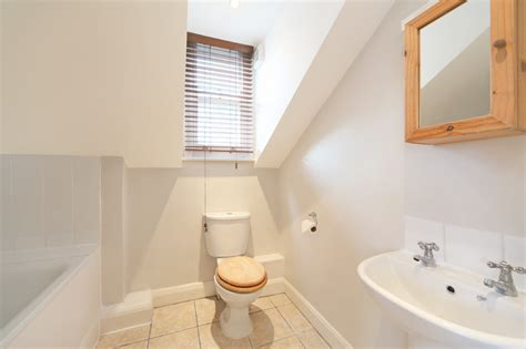 1 bedroom flats to rent in barry 1 bed flat to rent barry road london se22 0hr