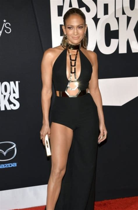 Jlo Conducts Own Fashion Week by Us S 228 Ngerin Performte Beim Fashion Rocks