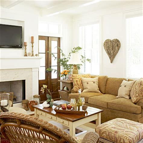southern living decorating ideas this living room has a please touch no fuss feel it s
