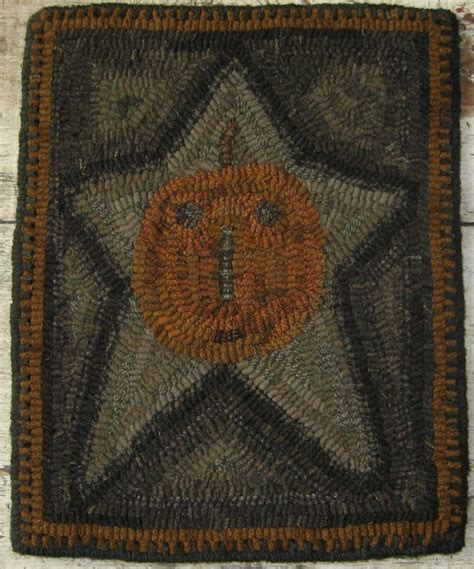 primitive rug hooking 1000 images about rug hooking on