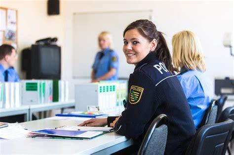 Bewerben Bei Der Polizei Sachsen Polizei Sachsen Polizei Sachsen Die Ausbildung In Der Laufbahngruppe 1 2 Der Fachrichtung