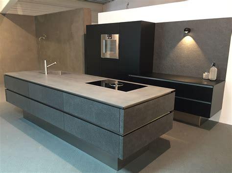 dunkle küchenschränke relaxliegen elektrisch