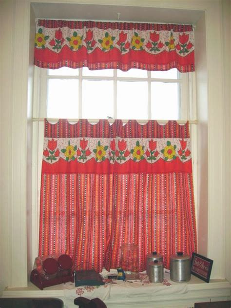 Sew Kitchen Curtains Diy Idea How To Make And Sew Kitchen Curtains From Square Skirts Or Clothing Re