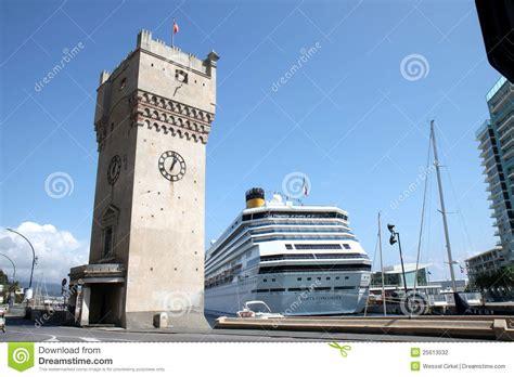 hotel a savona vicino al porto incrociatore in porto di savona riviera italiano