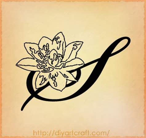tatuaggi lettere corsivo free minds tatuaggio scritta lettera s stilizzata in