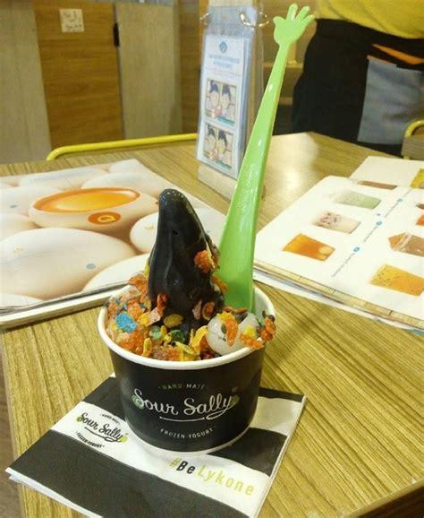 Sally Banyak Varian sour sally frozen yogurt lofood