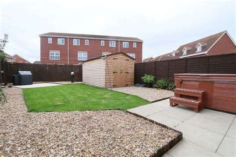 3 bedroom houses for rent hull 3 bedroom semi detached house for sale in marfleet avenue hull hu9