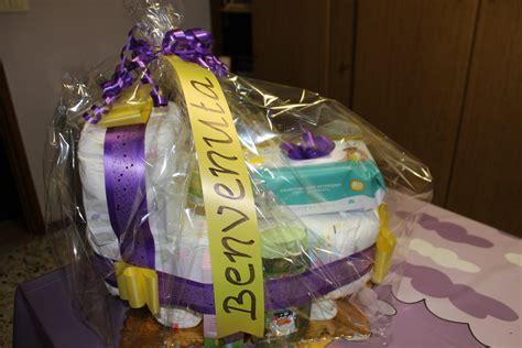 culla di pannolini moto di pannolini e culla idee regalo per neonati