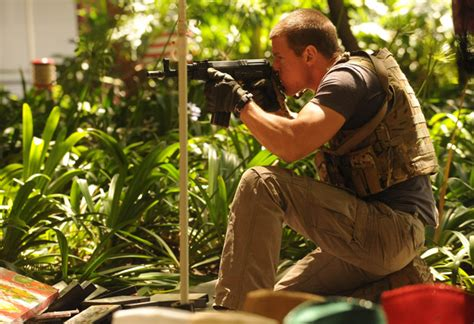 strike back tactical gear strike back tv show can anyone identify the clothing