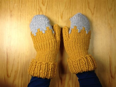 loom knit mittens how to loom knit a pair of gloves mittens diy tutorial