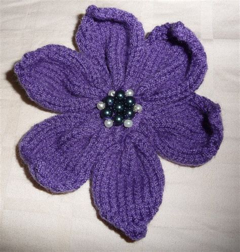 pattern knitted flowers knitted 6 petal flower pattern food and drink pinterest