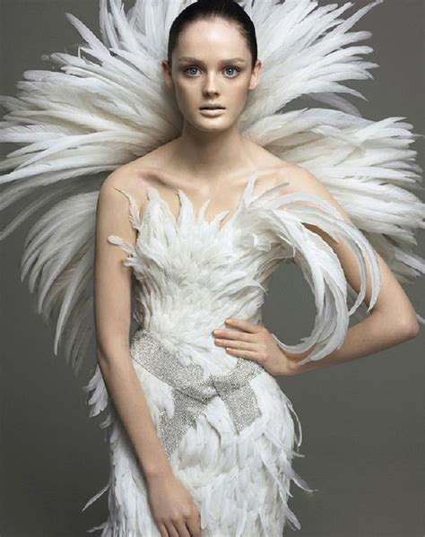 Dress Feather best 25 feather dress ideas on runway fashion